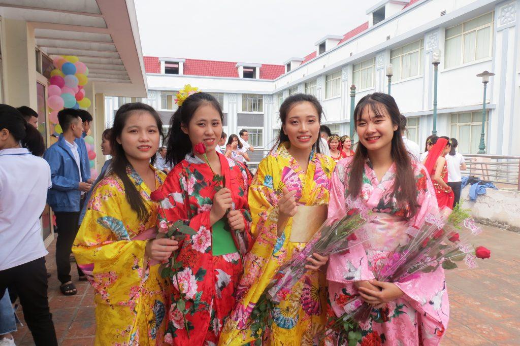 Trang phục Kimono rực rỡ